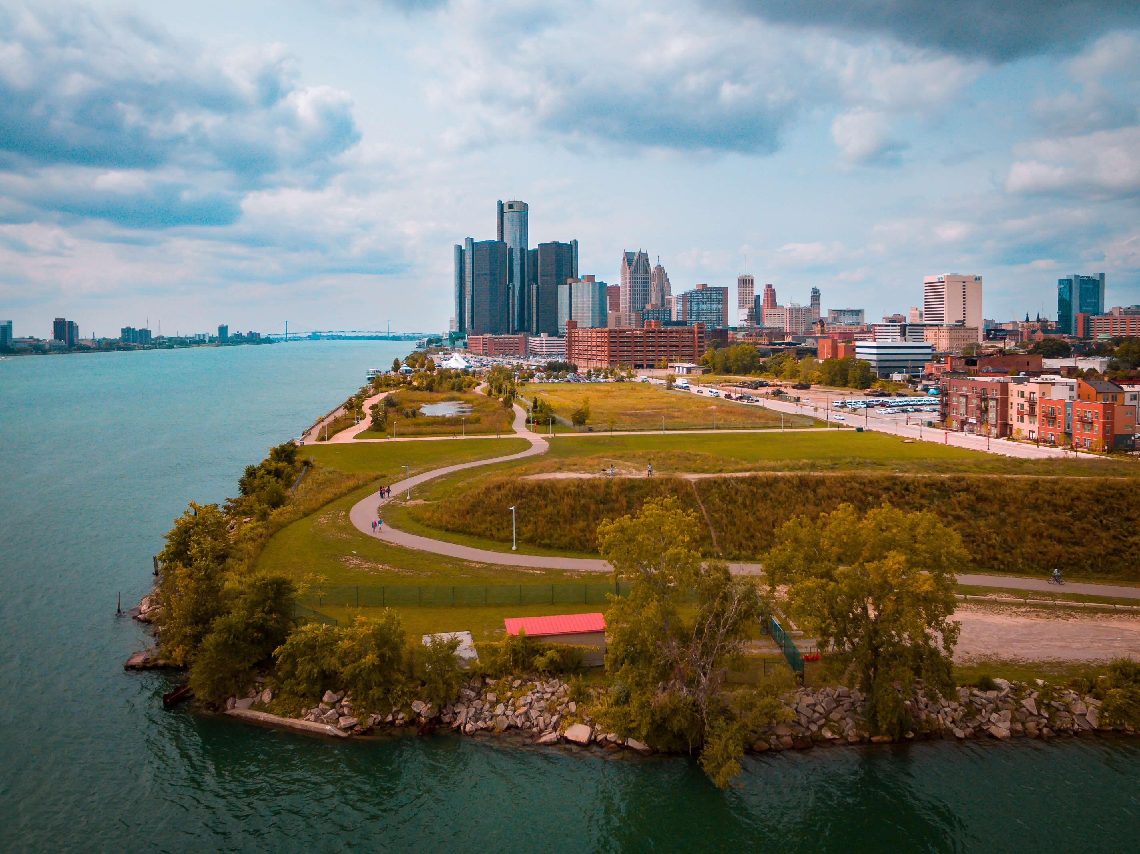 best-places-detroit-riverfront
