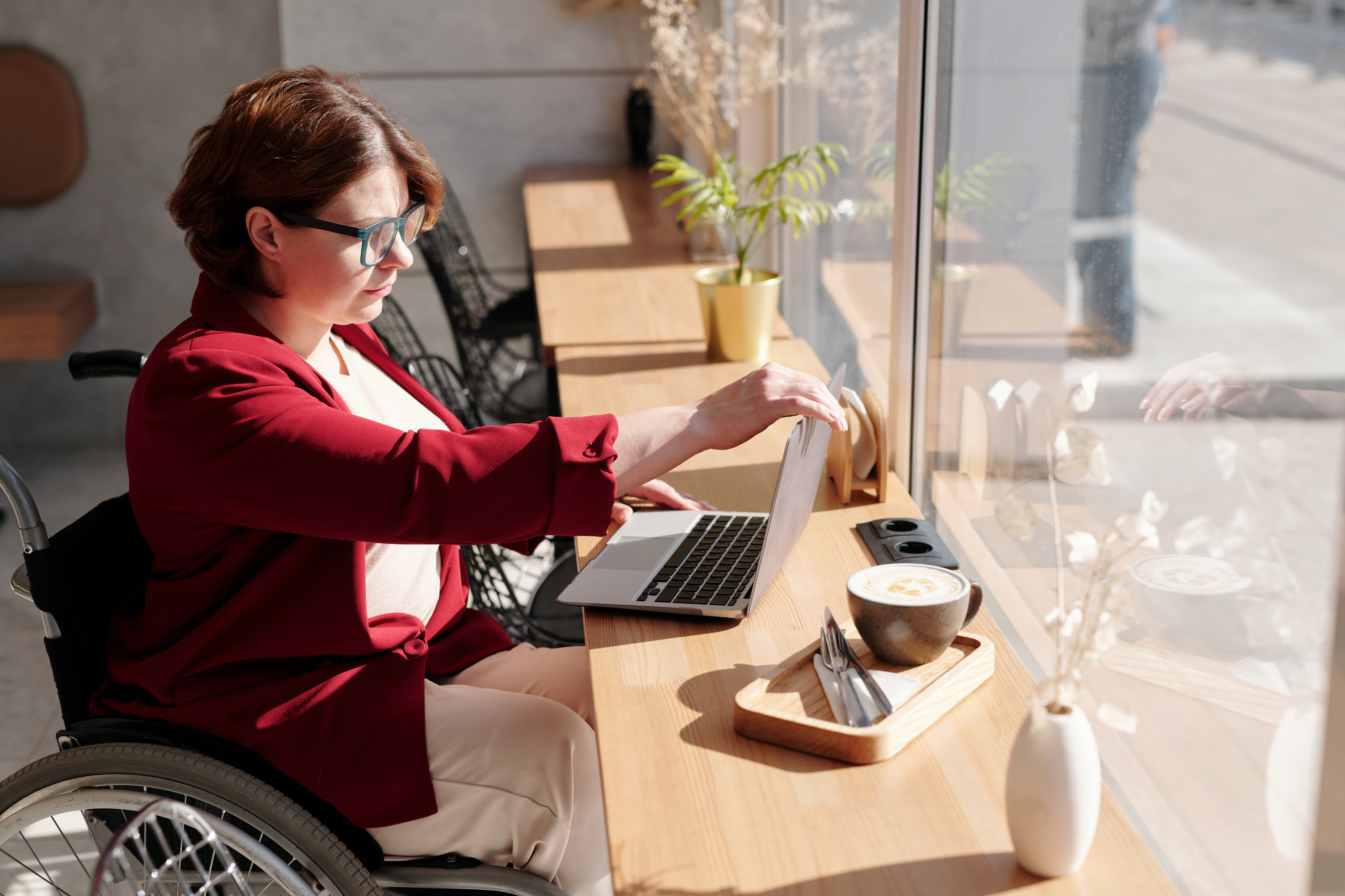 Have A Disability? Look For Companies That Offer These Benefits
